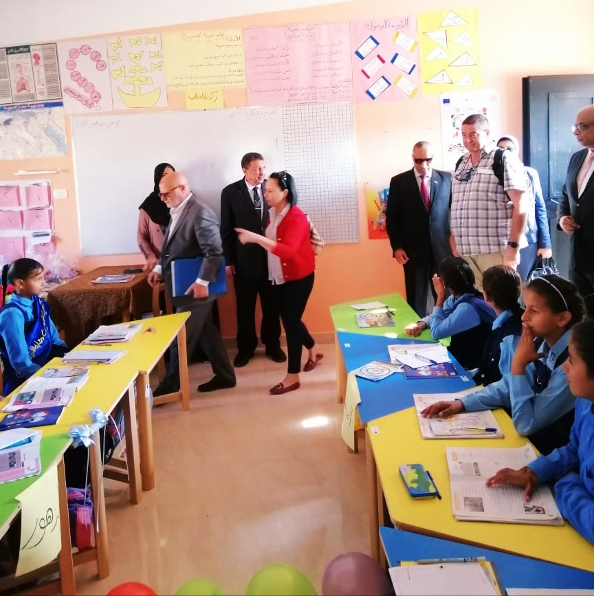 وفد الأتحاد الأوروبي واليونيسيف فى زيارة مدرسة الصحفاق ببرج العرب